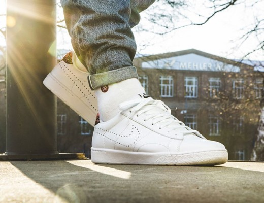 featured-image_WhiteSneakers