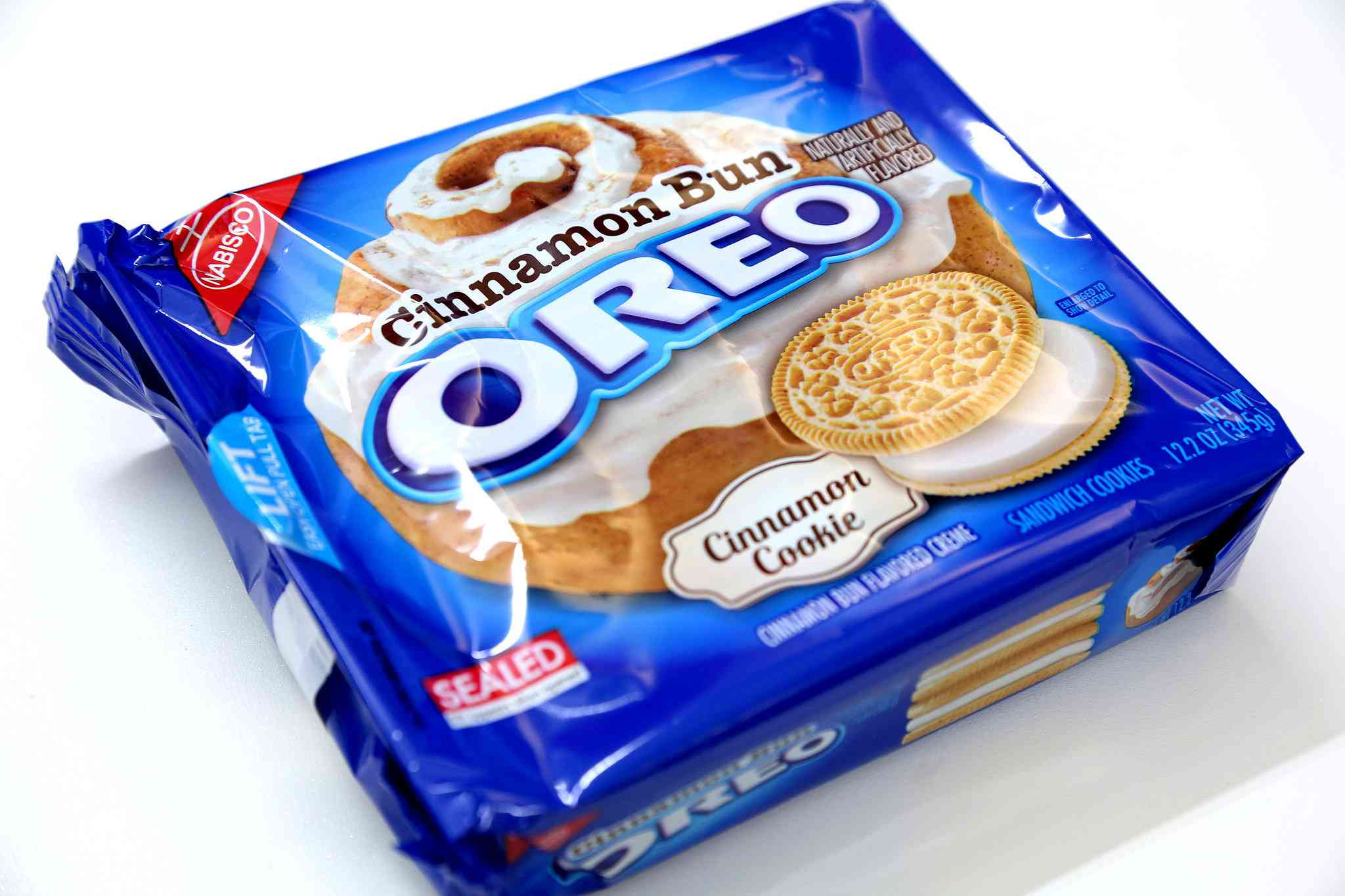Oreo Cinnamon Bun Flavored Sandwich Cookies