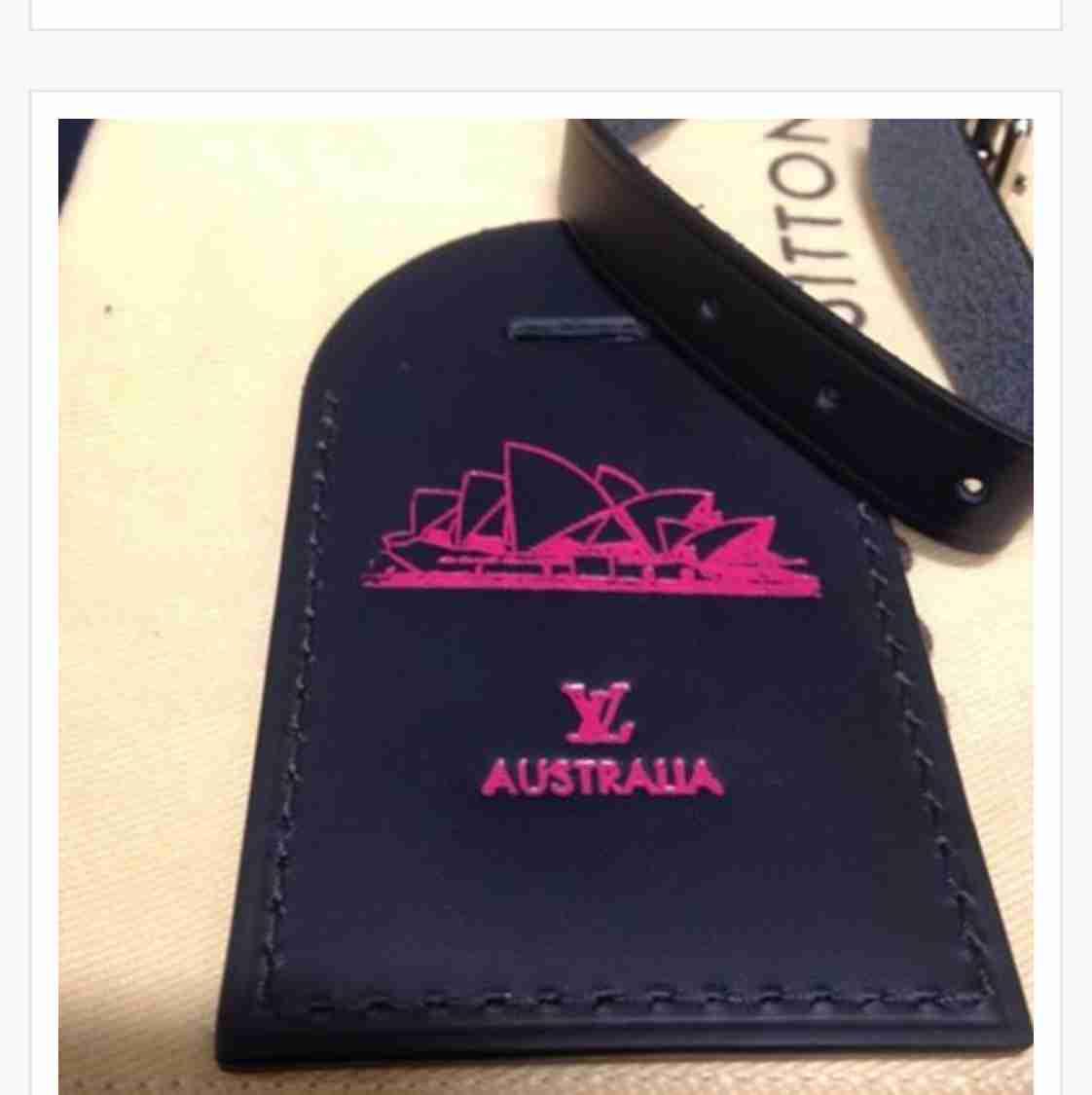 da035df72a3 ShopandBox - Buy Louis Vuitton Luggage Tag with Sydney Opera Hot ...