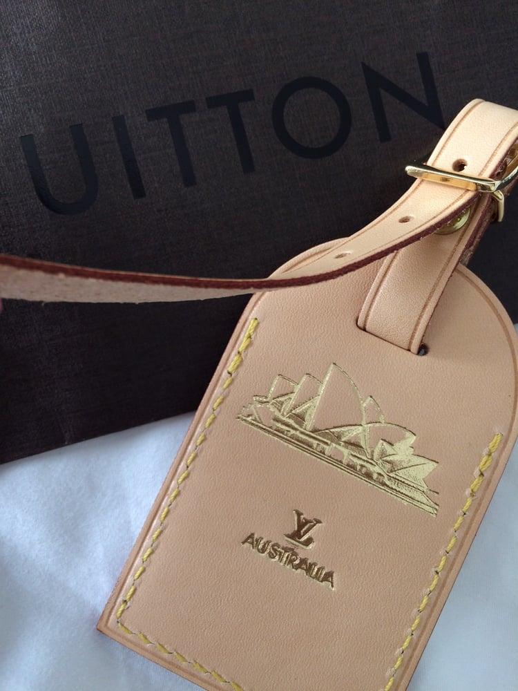 e0e0fbab221 ShopandBox - Buy Louis Vuitton Luggage Tag from AU