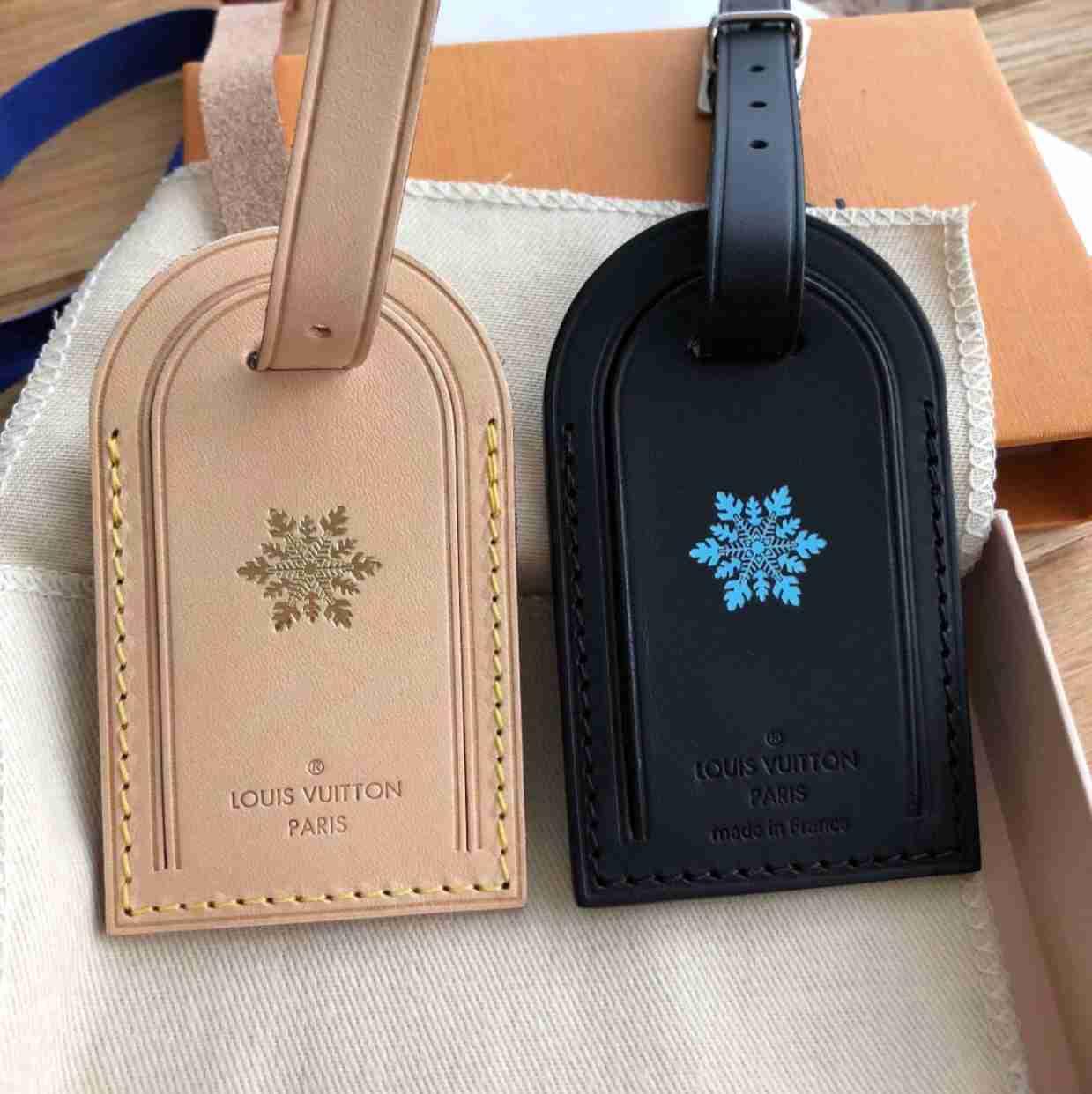 d2b1a3076ef ShopandBox - Buy Luggage tag from CH